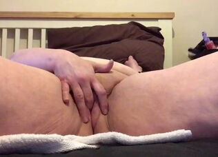 Mature homemade solo
